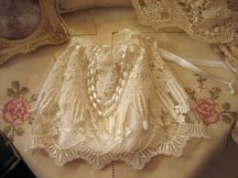 Tablecloths for a vintage wedding theme