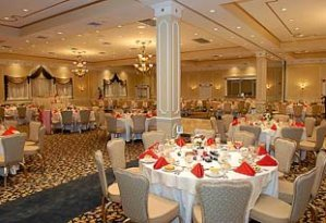 Halloween wedding ideas with a reception hall with pumpkins