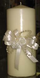 Cheap decoration idea for a beautiful candle with ribbon and pearls