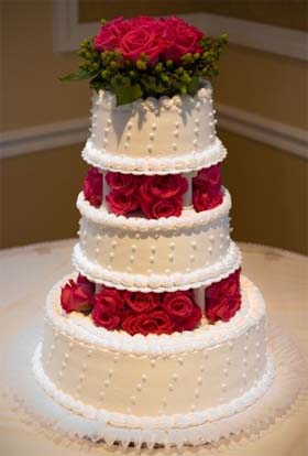 Beautiful wedding cake ideas for Christmas theme