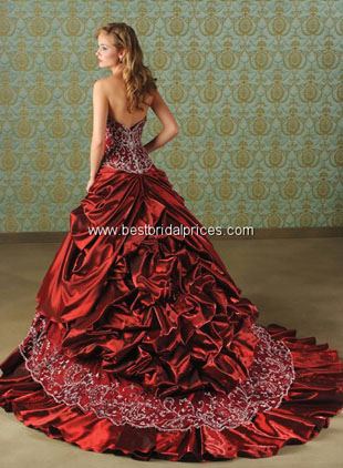 Red Christmas wedding gowns with beading