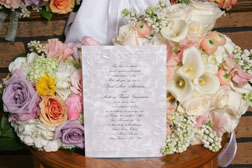 Unique Theme Wedding Ideas, Invite with bouquet