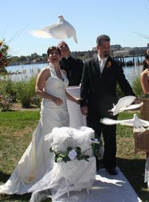 Wedding photography lighting tips for an outdoor wedding