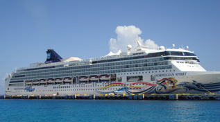 /Caribbean Honeymoon Vacation Picture of a cruise ship