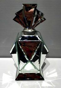 Centerpiece Ideas for a Wedding Mirror Decoration