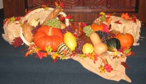 Fall wedding centerpieces with pumpkins and gourds