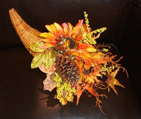 Halloween wedding ideas horn with flowers