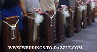 Unique ideas for wedding ceremony decorating the pews