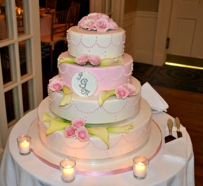 Beautiful Pink and White Wedding Cake