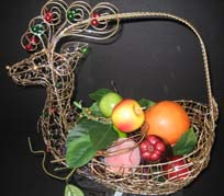 Christmas centerpiece ideas fruit basket that works well for a wedding table arrangement