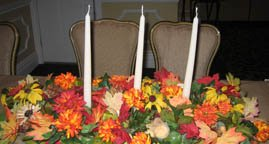 Stunning centerpieces with candles and flowers