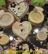 Cupcakes and cookies for a wedding