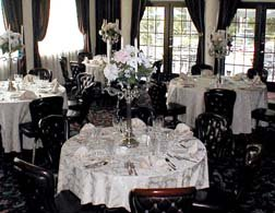 Black and White Wedding Ideas wedding table
